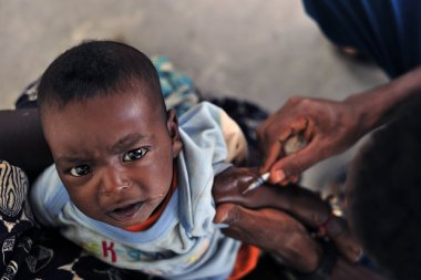Malaria vaccine. Photo credit: Global Panorama, Flickr 2009, CC-BY-SA2.0.